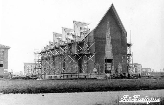 1957 Chiesa In costruzione - © EUT 2